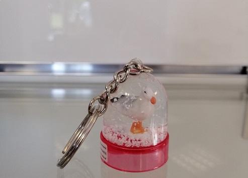 11 - Porte clé boule à neige Mouette rose